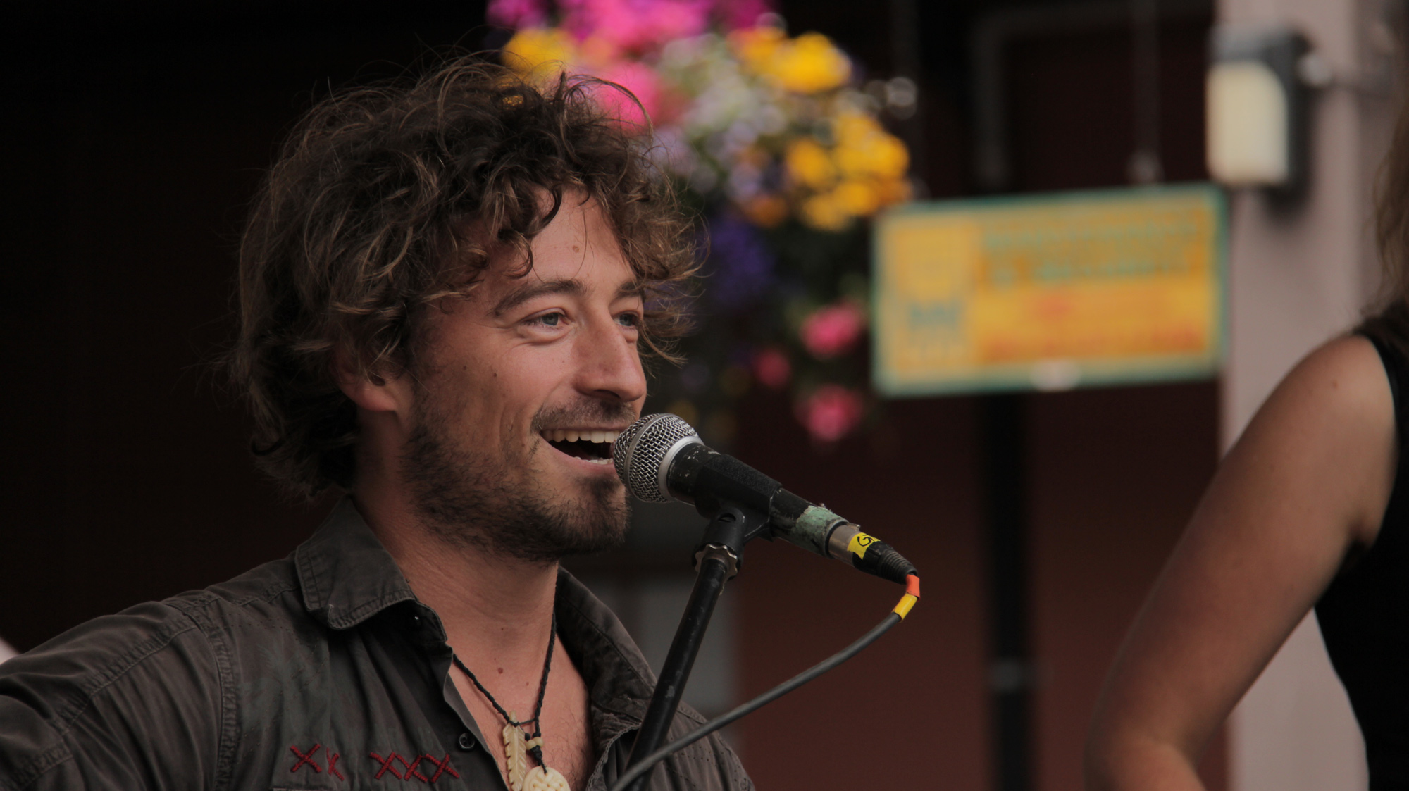 Video Archive- 2012-08-18: Jesse Roper at Market Square's Courtyard Sessions