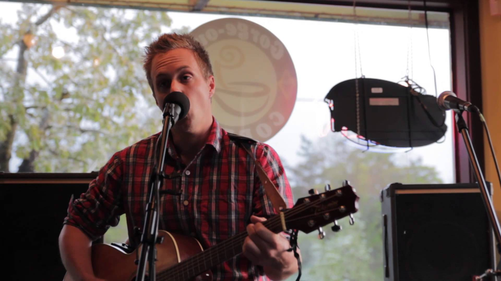 Video Archive- 2013-04-27: Riley Smith at Gorge-ous Coffee